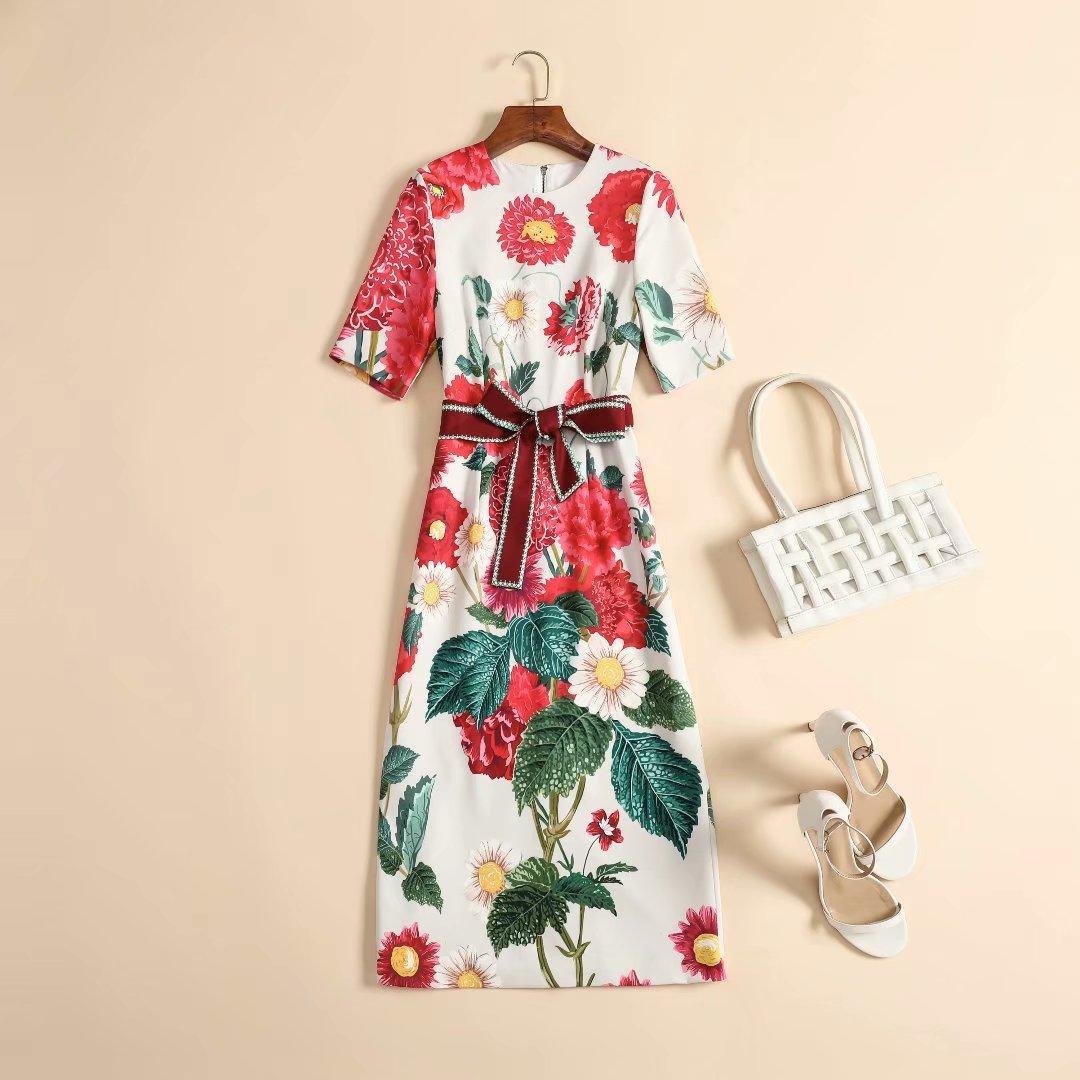 Europäischer und amerikanischer DOB 2020 Winter neuer Stil Kurzarm Rundhals-Ausschnitt Blumendruck modische Spitzen-up-Kleid