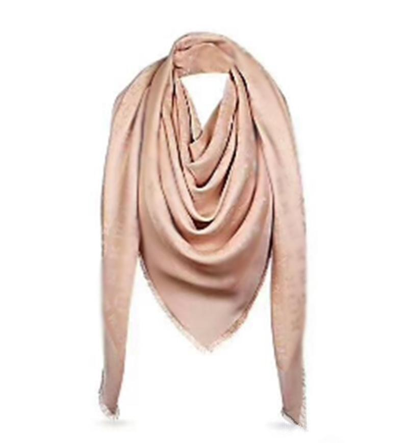 Женские шелковые шарф шарфы 4 сезона шарфы женщины шаль письма узор на длинную шею 4 лист клевер золотая нить квадратный шарф с коробкой