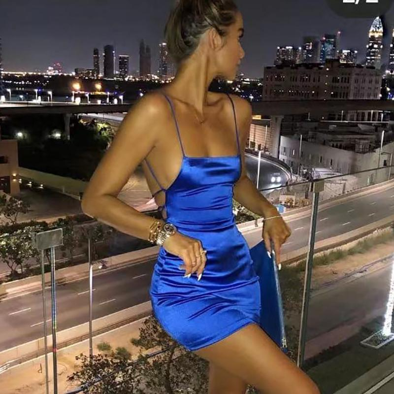 Articat Spaghetti Strap Mini Satijnen Jurk Vrouwen Sexy Backless Cross Bandage Bodycon Party Dress Plisse Stretch Korte Club Jur