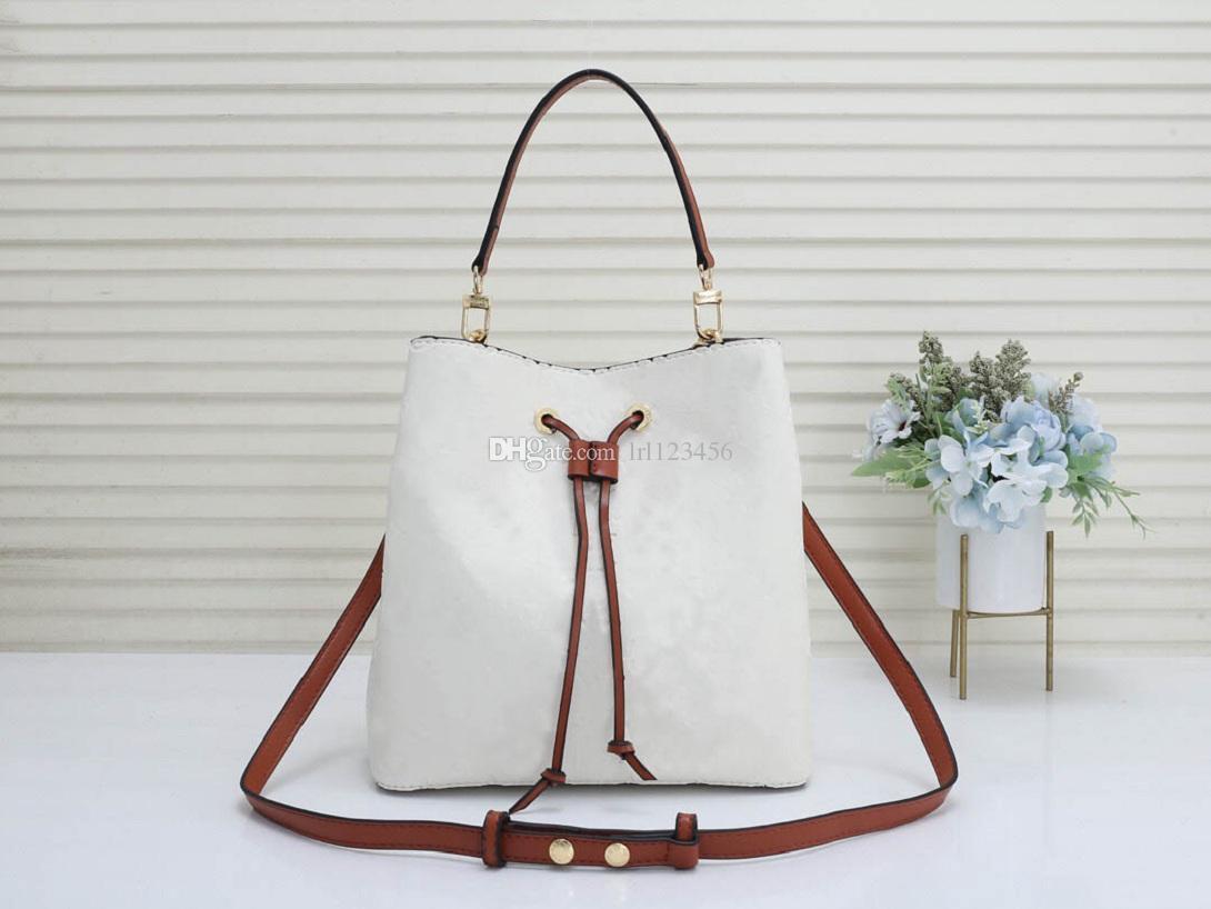 Brand Bag Box Designer Luxury Neo Hot Borse Borse Borse Penna Penna Spalla Genuine Donne Alte Qualità Borse classiche Noe Pelle Holder Style Uvhwo