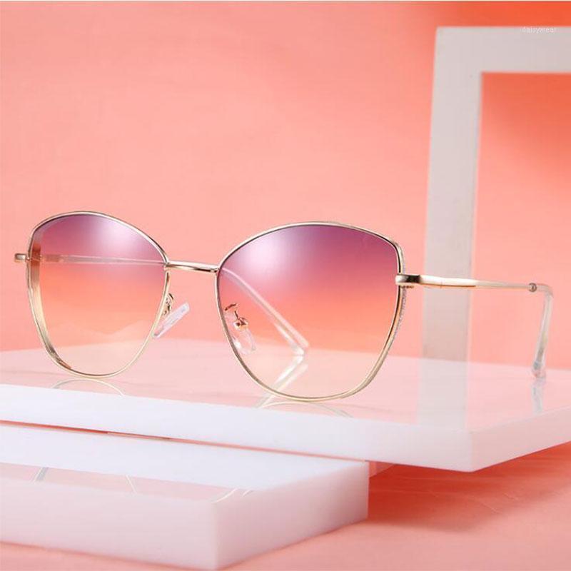 2020 Cat Eye Vintage Brand Designer Черные солнцезащитные очки для женщин металлические рамки фиолетовые градиентные стаканы1