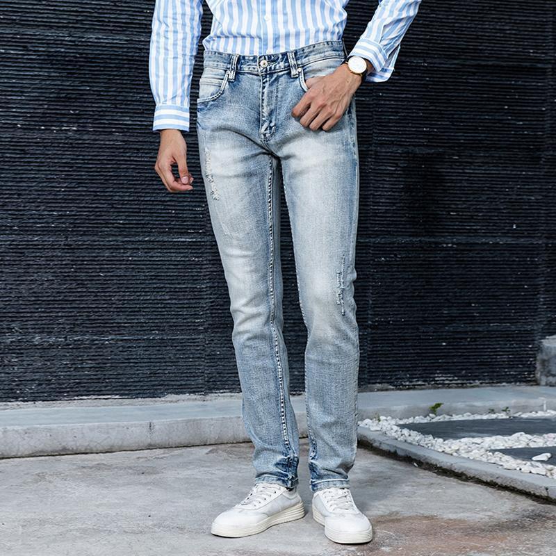 الرجال الجينز الإيطالية نمط أزياء الرجال الرجعية الضوء الأزرق مرونة سليم صالح ممزق الدينيم السراويل خمر مصمم الهيب هوب السراويل القطن