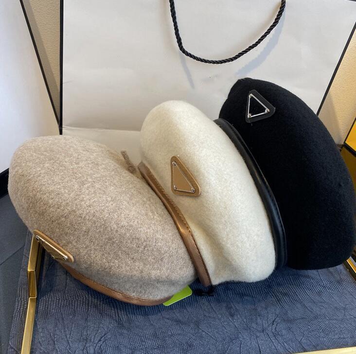 Designer Béret Lettre Lettre Luxe Luxe Teinture Cachemire Chapeau Béret Cap Lady Voyage Extérieur Voyage Chaud Hiver Vacances Casquettes Casquettes