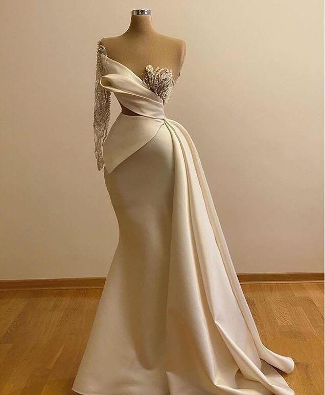 2021 Tasarımcı Mermaid Gelinlik Modelleri Sheer Boyun Bir Omuz Uzun Kollu Boncuklu Gelin Abiye giyim Örgün Pageant Elbise