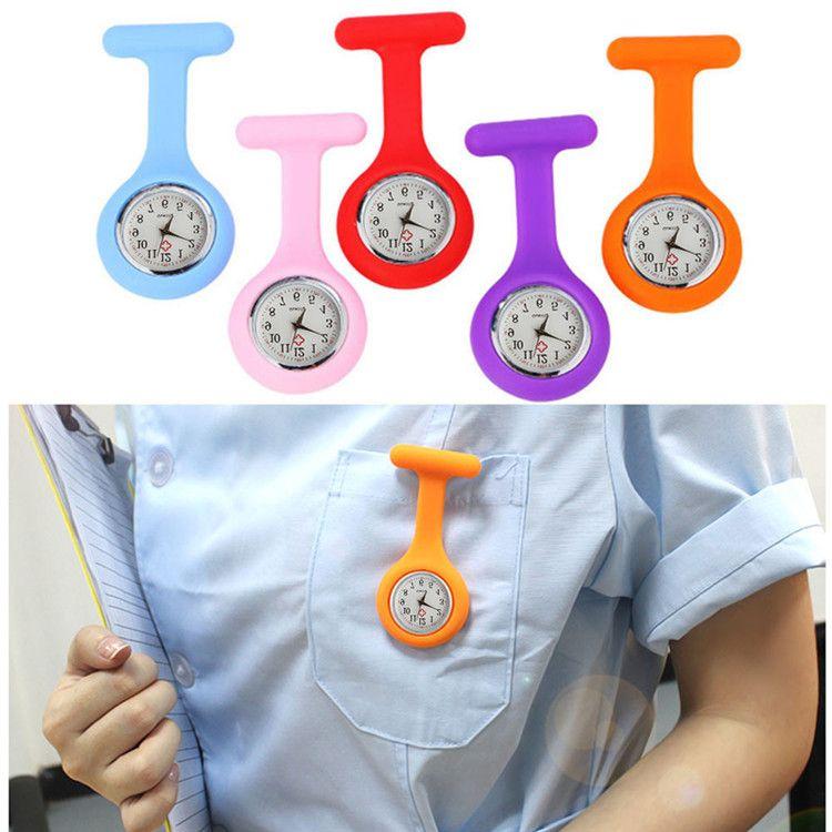 15 colores de la Navidad Regalo de la enfermera reloj médico de silicona Clip de bolsillo Relojes de moda broche de la enfermera túnica del Fob cubierta doctor silicio cuarzo Relojes