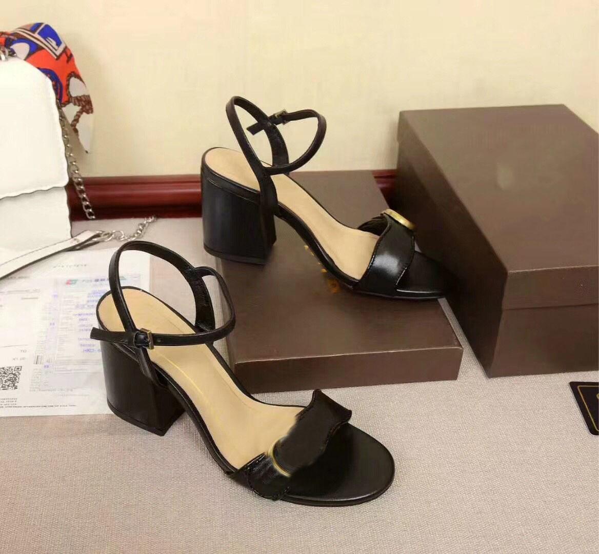 2020 горячие продажи женские моды дизайнеры каблуки сандалии девочек летние каникулы пляж 8 см пятки мягкие кожаные туфли леди рабочая обувь 42 40 # G8