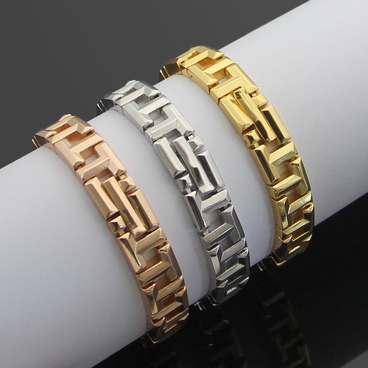 Europa américa estilo moda senhora mulheres titânio aço t iniciantes pulseira de cadeia larga 3 cor
