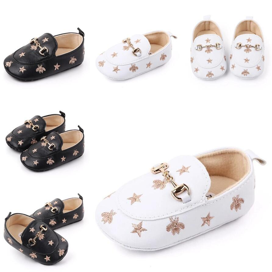 2021 Baby Boy Shoes Minal Newborn Обувь мягкая подошва с пчелиными звездами Кроссовки кожаные малыши крестия