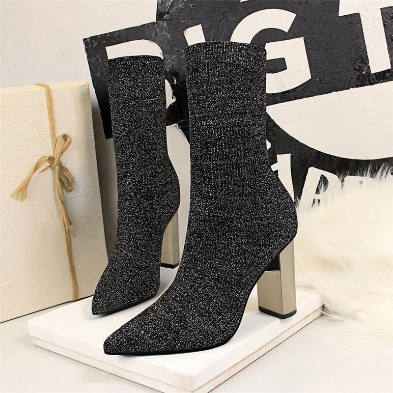 Сапоги 2021 Женщины Фетиш Растяжек Вязание Носка Металлический Блок 9.5см Высокие каблуки Короткие Лодыжки Коренастая Стримовая Стримовая Обувь