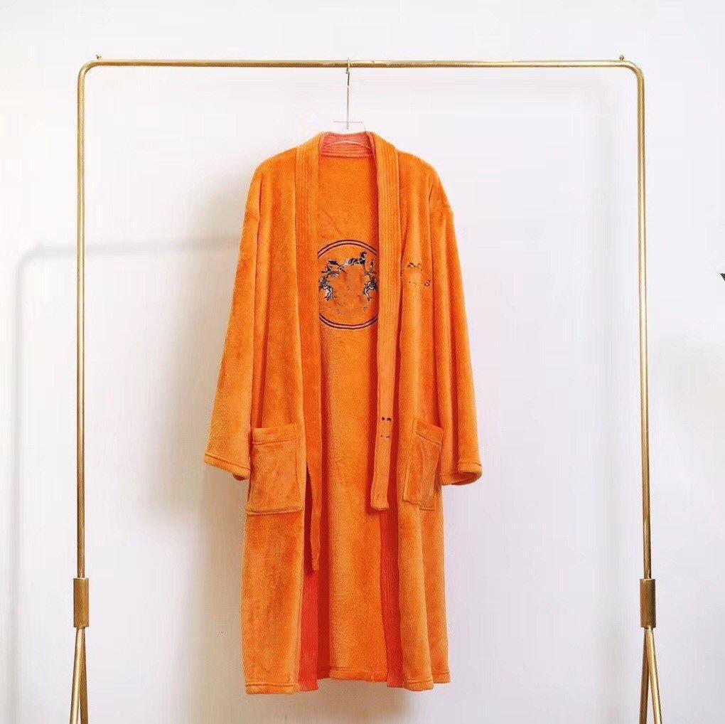 Yüksek Kaliteli Elegance Kadın Erkek Bornoz Sıcak Banyo Robe Kalın Flanel Kış Evli Uyar Kadın Erkek Giyindirme Kıyafeti Mercan Polar Elbiseler