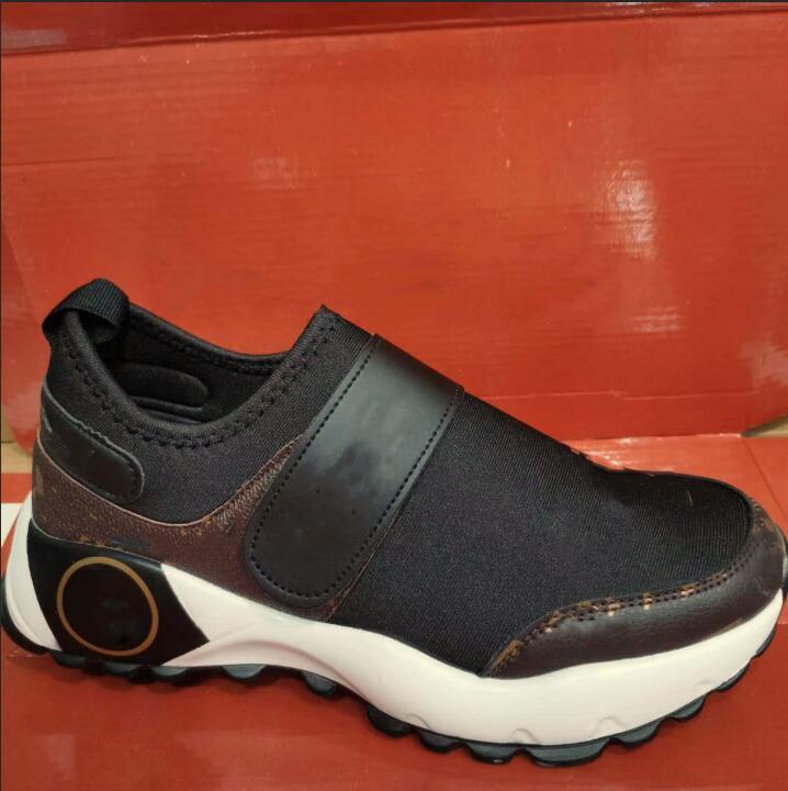 Yeni Sıcak 2020 Kadınlar / Erkekler Spor Ayakkabıları Klasik Marka Spor Antrenörü Kadınlar Koşu Ayakkabısı Casual Sneakers Sports Ayakkabı Boyut 37-41