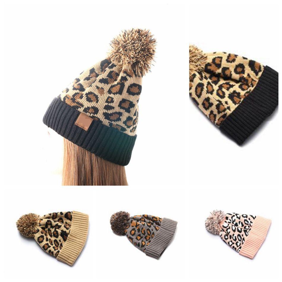 Animal imprimé léopard Knit fausse fourrure Pompom Bonnet d'hiver Chapeau Femmes Réchauffez Knit fausse fourrure Pom Hat LJJK2495
