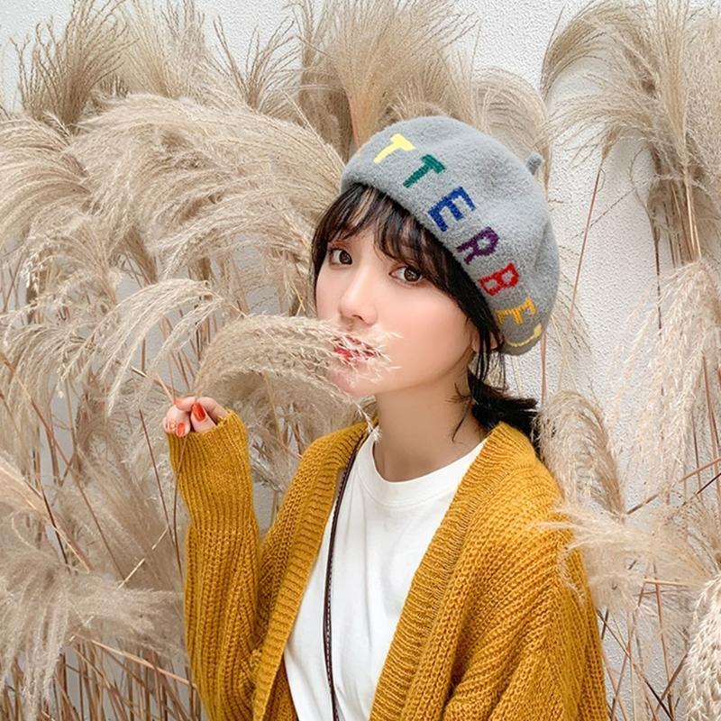 2021 أنثى الخريف فو الصوف قبعة قبعة البريطانية نمط قوس قزح الملونة أفضل رسائل التطريز الرسام الفنان قبعة اليقطين