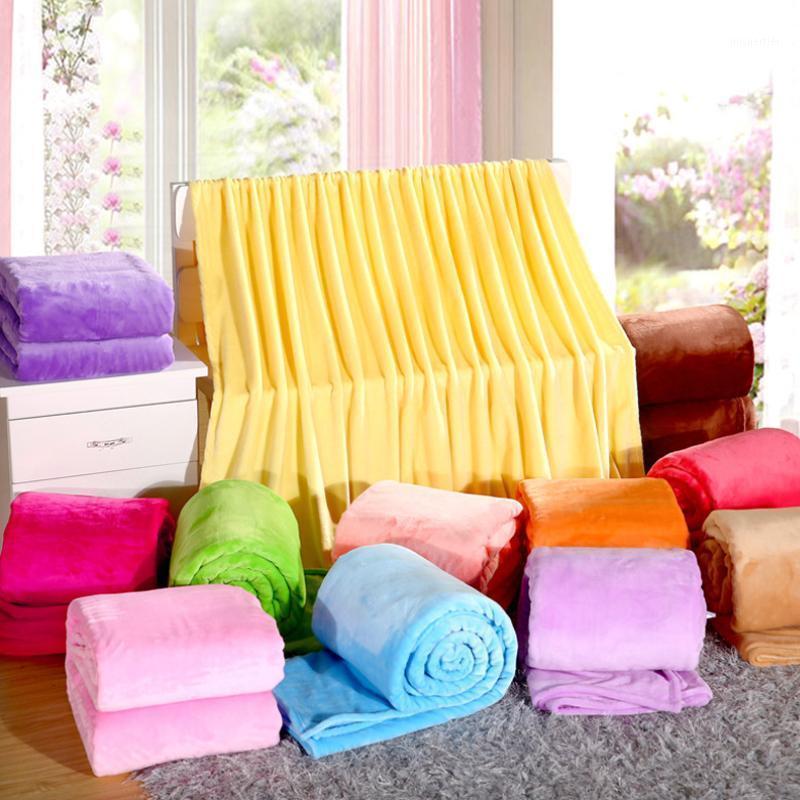 Weiche MicroPlush-Flanell-Fleece-Decke-Tupfer Zweibettzimmer / Full / Queen / King-Size-Bett / Sofa / Air Cover Taupe Hellbraunes Kamel Solid Color1