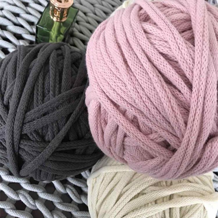 Puntelli fotografici della coperta islandese della lana intrecciata della mano nordica