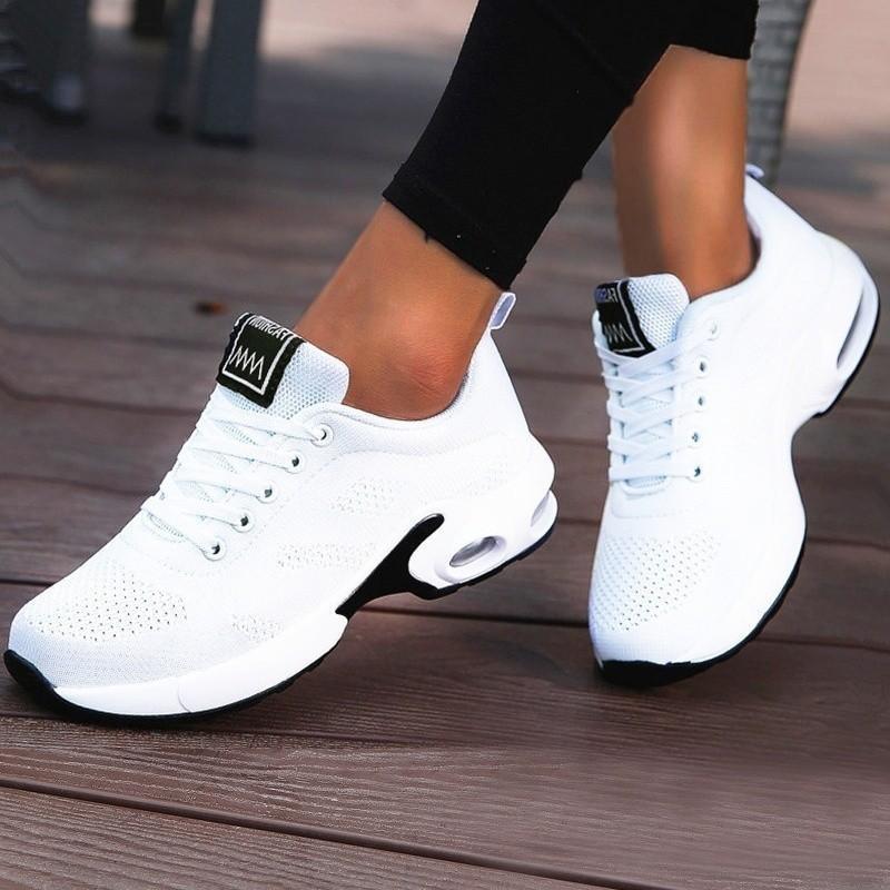 2021 Yeni Bayanlar Eğitmenler Rahat Mesh Kadınlar Düz Hafif Yumuşak Sneakers Nefes Ayakkabı Sepeti Ayakkabı Kadın Artı Boyutu CKH3