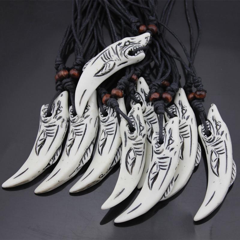 Vente en gros 12PCS os collier sculpture requin mâle et femelle imitation chaîne chandail dent cadeau bijoux collier de requin 201104