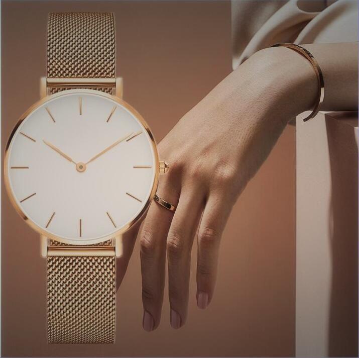 Reloj Mujer 32mm Donne semplici Digital Signore Dress Designer di Prestigio Designer orologi da donna Braccialetto orologio in oro rosa