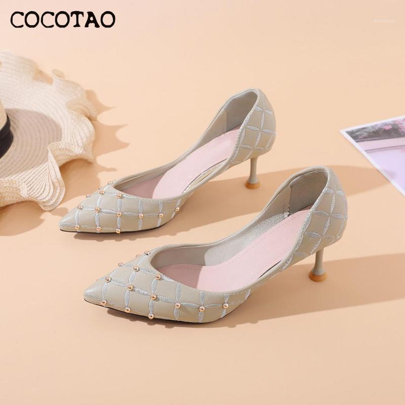 Nuova bocca superficiale scarpe tacco alto femminile rivetto di rivesso scarpe di marea elegante single fairy style side side hollow styretto1