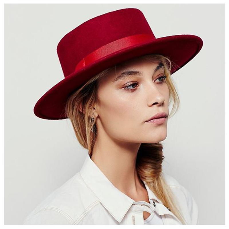 Frauen Wolle flach top Fedora Hut mit rotem Band Elegante Dame Cloche Trilby Schweinefleisch Pie Fascinator Boater Hat Jazz Größe06