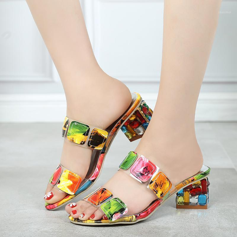 2019 New Summer Women Multi Cores Sandálias Moda Alto Salto Alto Toe Praia Flip Flip Flops Senhoras Cristal Saltos Sapatos Mulher XWT18931