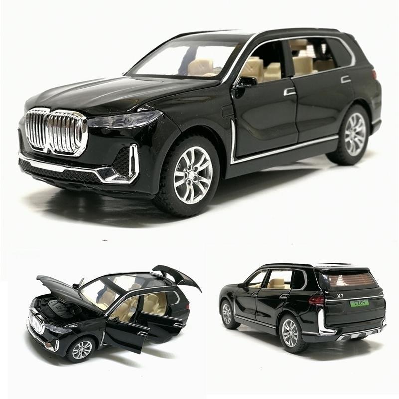 1:32 x7 Alliage de simulation de haute simulation SUV Modèle de voiture Jouet Voitures Diecast X7 Tirez sur les véhicules hors route pour enfants Jouets Livraison Gratuite Y200109