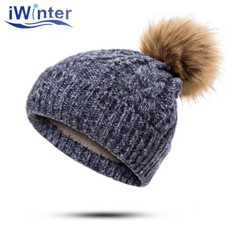 Chapeau d'hiver de IWINTER Mode Femmes Knit Épaissir chaud de Pompon hiver unisexe Beanies extérieure Accessoires chaud Casual