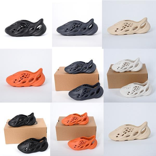 2020 manera de los niños de espuma EVA Runner Kanye Diapositivas Niños Infantes para niños Zapatillas Triple Rojo Blanco Negro arena del desierto hueso de resina sandalias