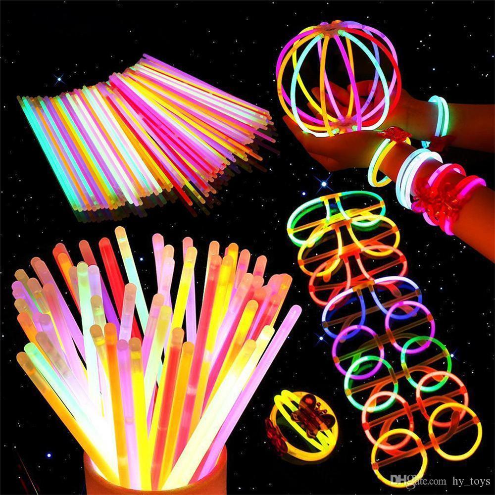 Renk Floresan Işık Glow In Dark Çubuk Parti supples Glow karanlıkta Bilezikler Çocuk Işık Up Oyuncak Düğün Dekor Glow Sticks