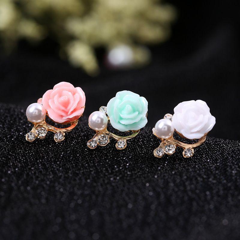 ارتفع 2021 تصميم الكورية اللؤلؤ حجر الراين مسمار الأقراط المصنوعة يدويا زهرة الأزياء والمجوهرات للنساء الملحقات الصغيرة
