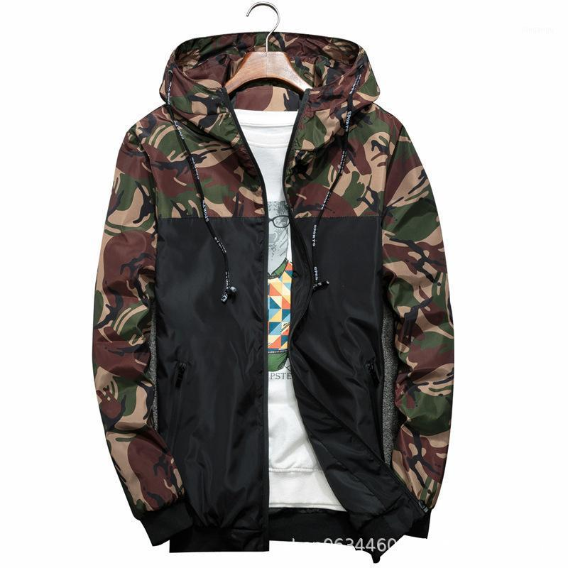 Giacche da uomo 2021 Primavera Autunno uomo Camouflage Cappotti con cappuccio Cappotti Casual Zipper maschili Antivento uomo Abbigliamento da uomo Abbigliamento di marca1