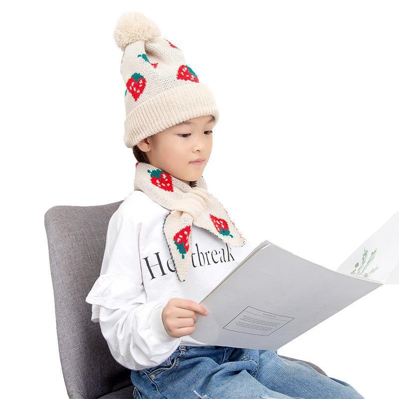 Outono e inverno Nova chegada moda confortável crianças chapéus Quente proteger orelhas orelhas grossas cabelo bola mulheres chapéu presente um lenço