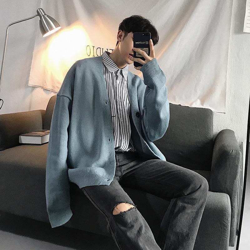 Мужские свитера Изысканные корейские версии свободной пары моделей кардиган свитер серый / хаки небо голубой размер M-XL