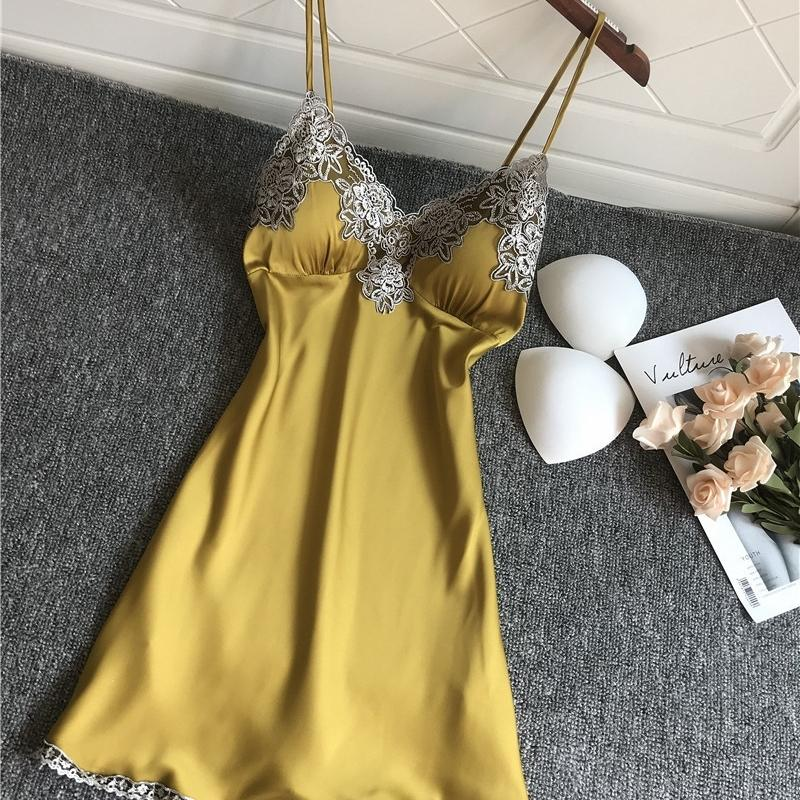 Mulheres Sexy Curto Cetim Backless Sleepwear Senhoras Lingerie Sleepdress Babydoll Nightdress Yellow Nightgown Underwear Yewear Y200425