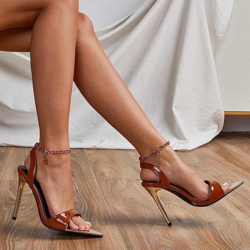 Sandales Été Femmes Hauts High Talons ouverts Toe pointu Gladiator Partie Sexy Chaîne Chaîne Chaussure Sangle Métal Stiletto Dames Chaussures