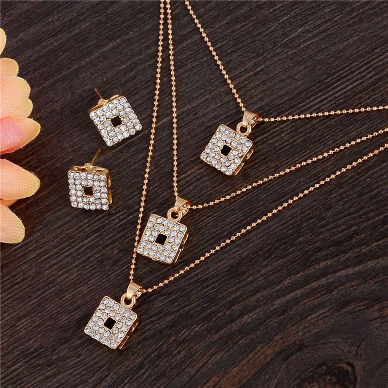 African Fashion Dubai Gold Bijoux nigérien Cristal Multilayer Nelace Boucles d'oreilles nuptiaux Ensembles de bijoux Accessoires de mariage
