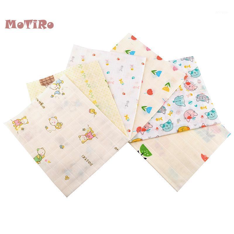 MoTiro, 6 pçs / lote, algodão duplo camada de gaze de camada de gaze para colcha / costura toalha de banho bebê, underware, fraldas, bibs material dos desenhos animados1