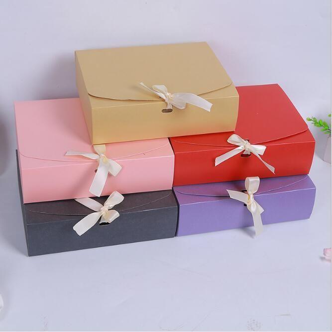 Tamaño 24.5 * 20 * 7cm 5 colores Caja de regalo de papel para el banquete de la decoración BirthdayWedding favores y regalos Suministros