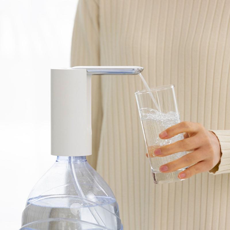 Distributore di acqua a canna pieghevole Pompa elettrica Acqua elettrica Acqua elettrica ultra-silenzioso basso rumore 1200mah tubo di silicone bevanda spedizione lla326