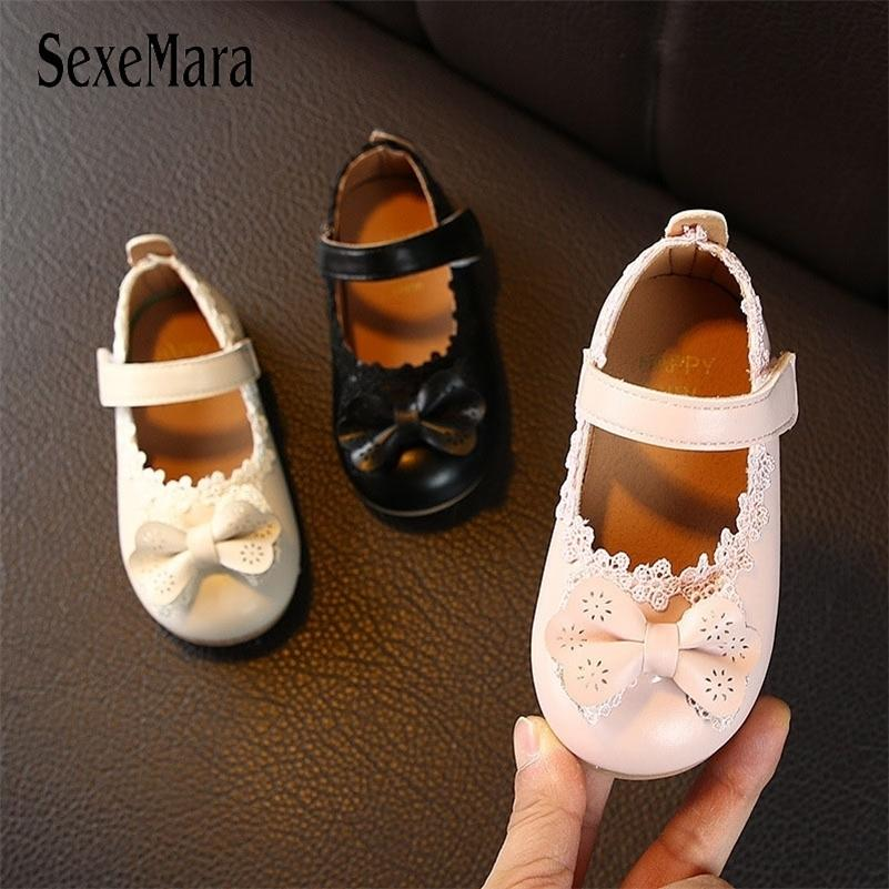 New Design Spring Girls Leather Shoes Flowers Shoes for Girls Baby Infant Children Sandals Party Toddler Shoes Girl C11223 Y201028