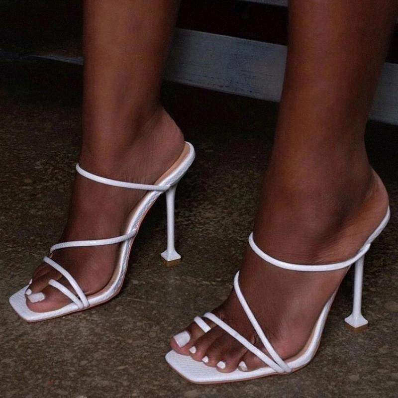 Femmes pantoufles femme talons hauts talons minces Talon Flip Flop Sandales 2020 Fashion Square Toe Diaposiches Chaussures Sexy Party pour les dames Big Taille # LP3V