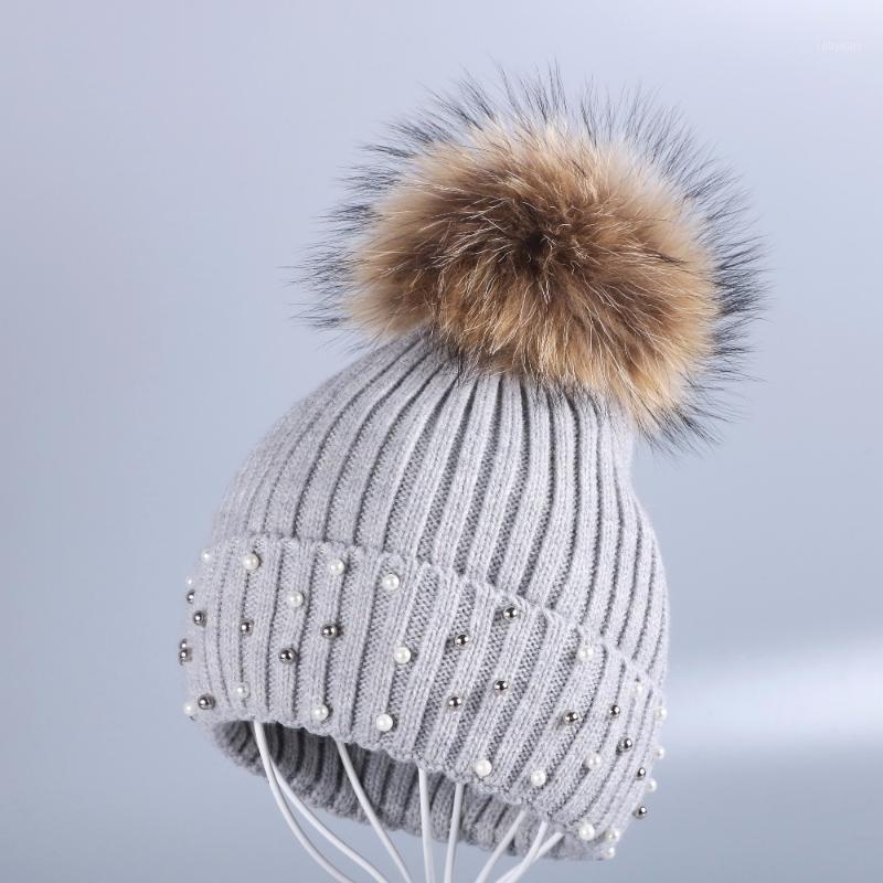 Nuovo design Design Donne Cappello invernale con vera visone animale Pelliccia Pompom Solid Color Lana Cashmere Warmer Skullies Berryies1
