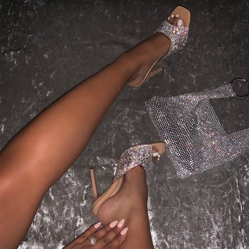Zapatillas de verano tacones altos mujeres PVC Transparente Jalea Sandalias de lujo Rhinestone Abierto Toe Ladies Zapatos Sexy Stiletto Diapositivas