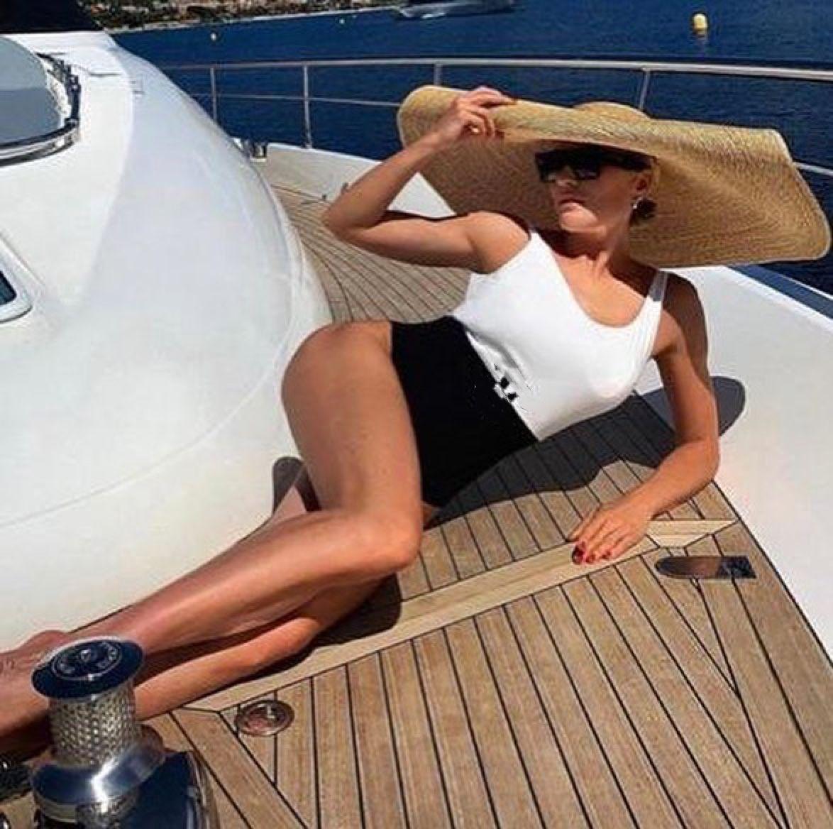 Sommerkarneval Frauen einteiliger Badeanzug-Bikini, provokativer sexy heißes Körperanteil, modaler Gewebe komfortabel und dehnbar, wesentlich