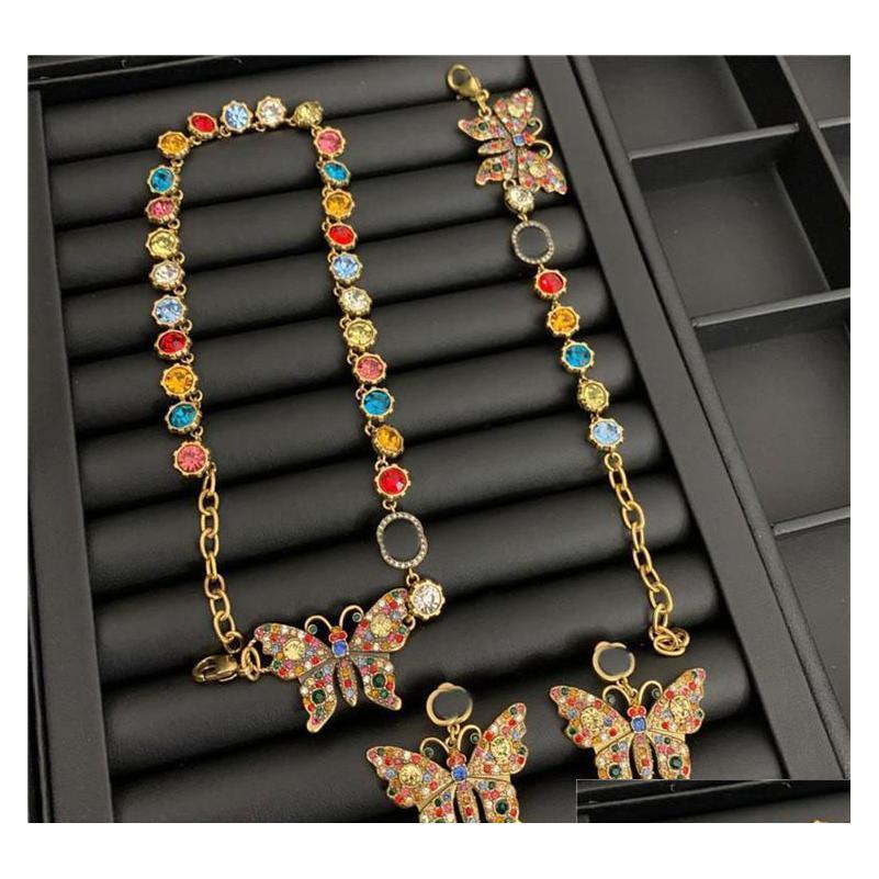 Vintage Mariposa Cristal Collares Color Diamond Pendientes Tachuelas Marca Letras Diseñador Pulsera Mujer Joyería de Lujo Conjuntos FPXAX