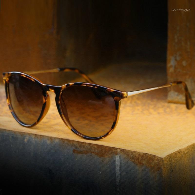 2020 Lunettes de soleil polarisées classiques Men Marque Designer Classic Femmes Retro Tortoise Verres marron Verres UV4001