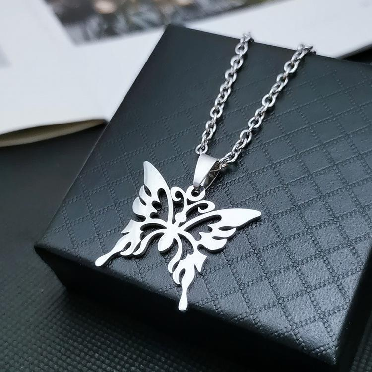 Chains 2021 Cool Stainless Steel Butterfly Pendant Necklace Hip Hop For Women Men Commemorate Jewelry