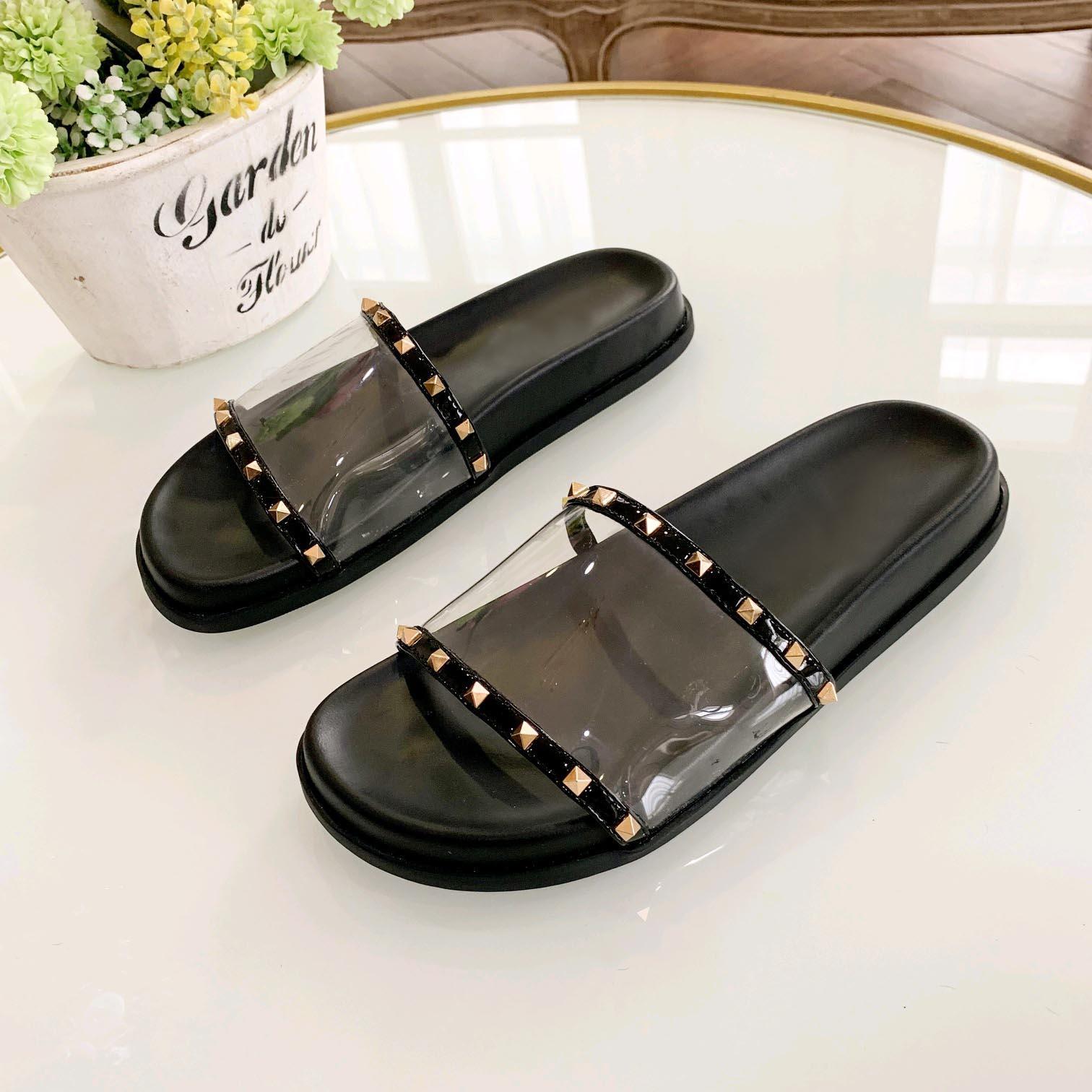 diseñador mujer zapatillas moda remache sandalias mujeres tendencia diseñador remache zapatilla superior calidad con el tamaño de la caja 35-40