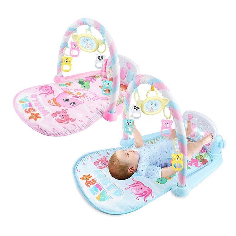 Младенческий мультфильм игрушки под колыбель младенца младенца Gilrsboys Фитнес-кадр многофункциональный ноги пианино музыка музыка одеяло детей ползет коврик Y200428