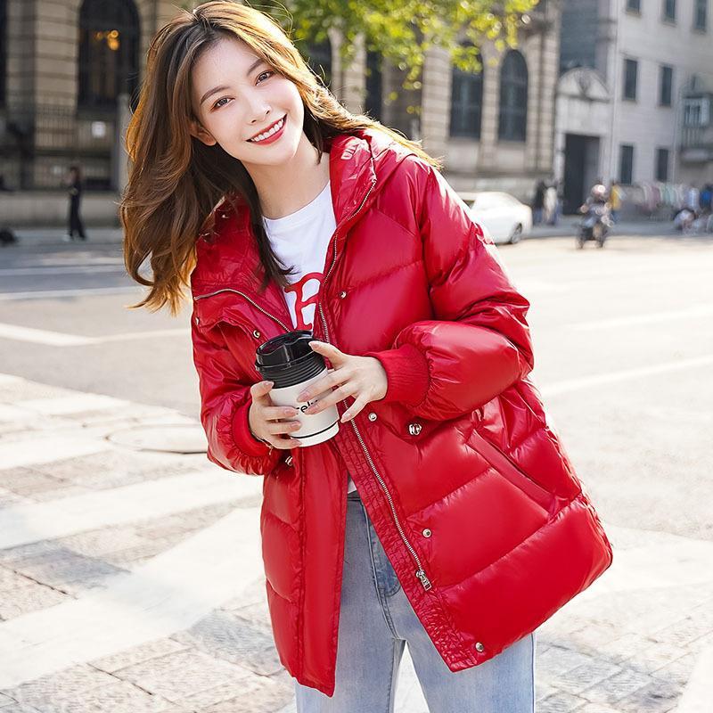Fashion-Winter 2020 Hooded Jacket para Mulheres Nova Versão Coreana Quente Duck White Down Médio Comprimento Vermelho Moda Slim Coat para Mulheres